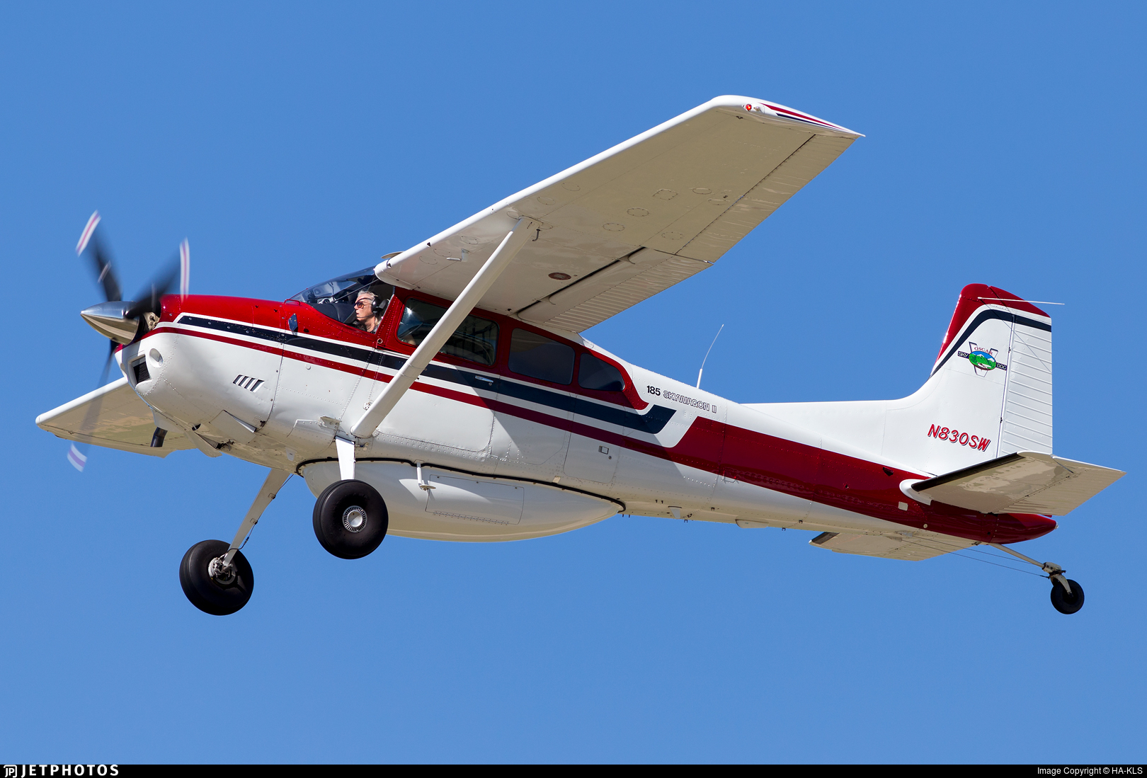 N830SW - Cessna A185F Skywagon II - Private