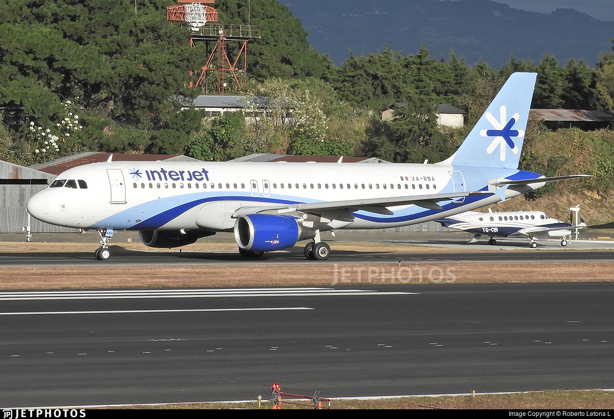 XA-RBA - Airbus A320-214 - Interjet