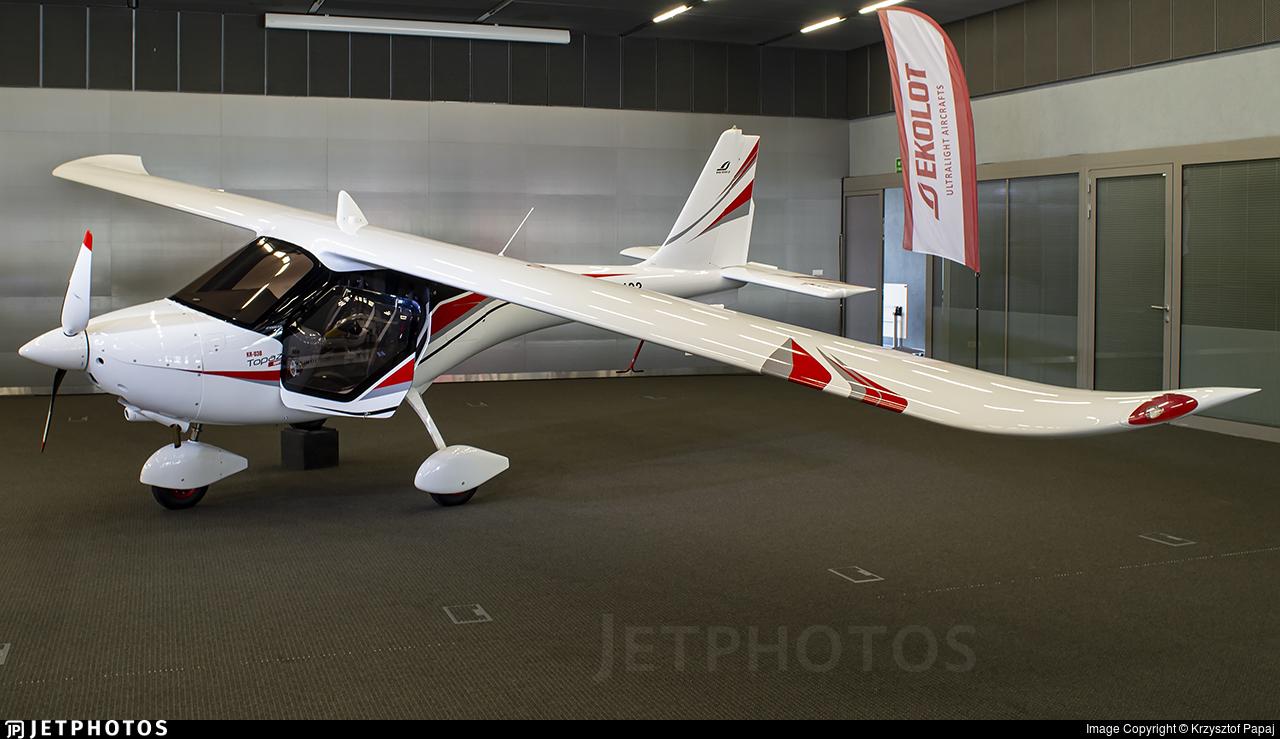 HJ-483 - Ekolot KR-030 Topaz - Private