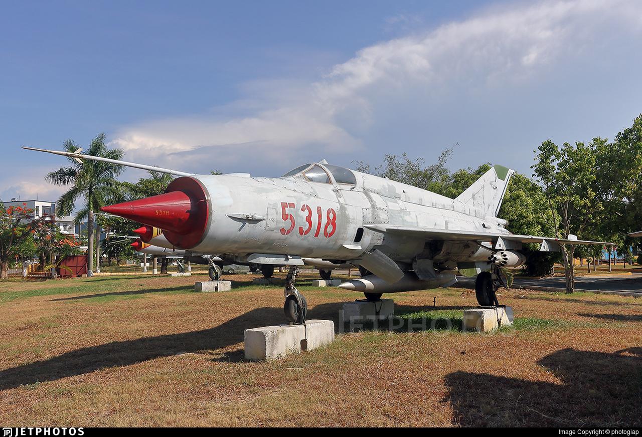 5318 - Mikoyan-Gurevich Mig-21MF Fishbed - Vietnam - Air Force
