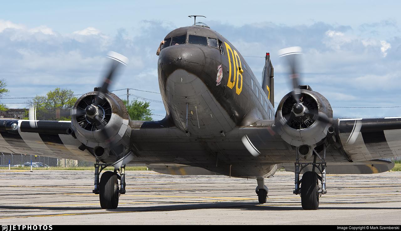 N15SJ - Douglas DC-3C - Private