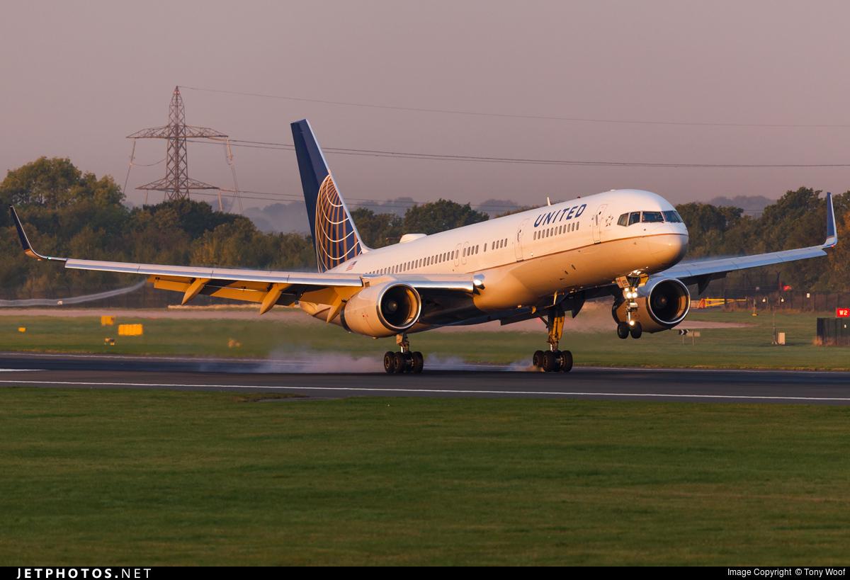 N13113 - Boeing 757-224 - United Airlines