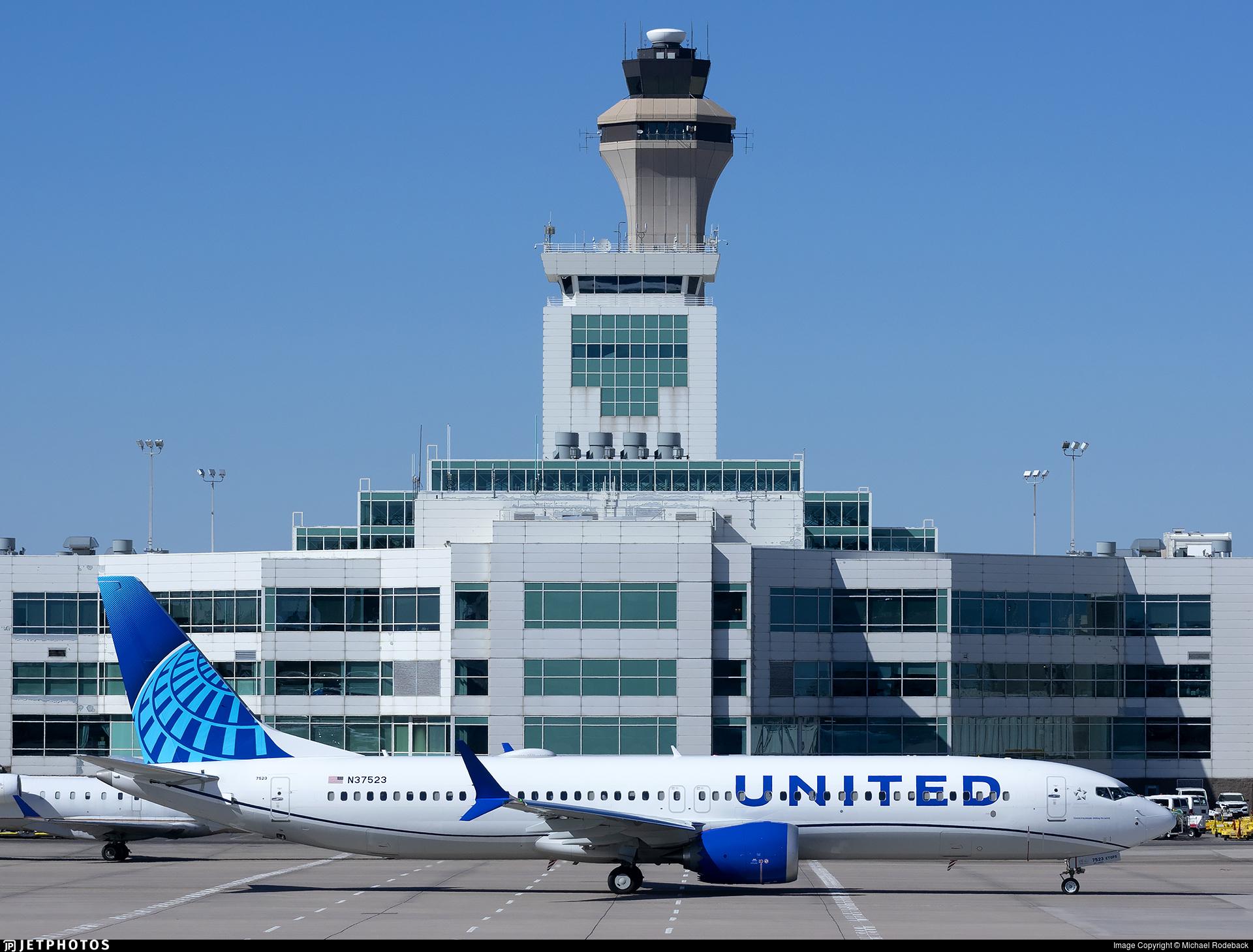 N37523 - Boeing 737-9 MAX - United Airlines