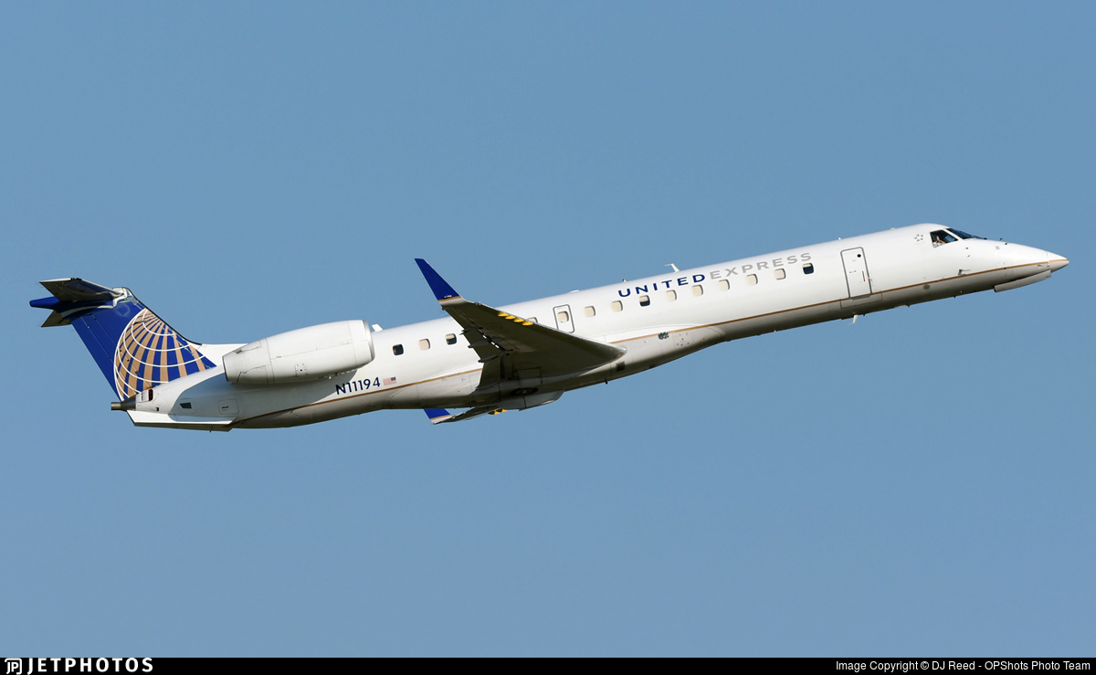n11194 embraer erj 145xr united express commutair