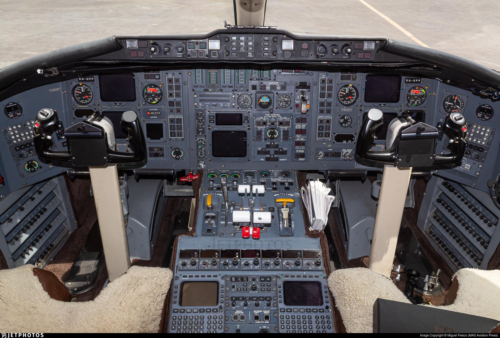 XA-UFF - Bombardier CL-600-2B16 Challenger 601-3A - ND AeroTaxis