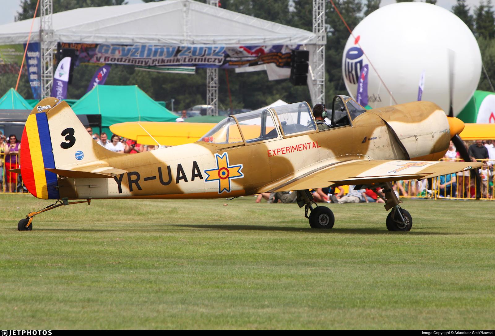 YR-UAA - Yakovlev Yak-52TW - Iacarii Acrobati
