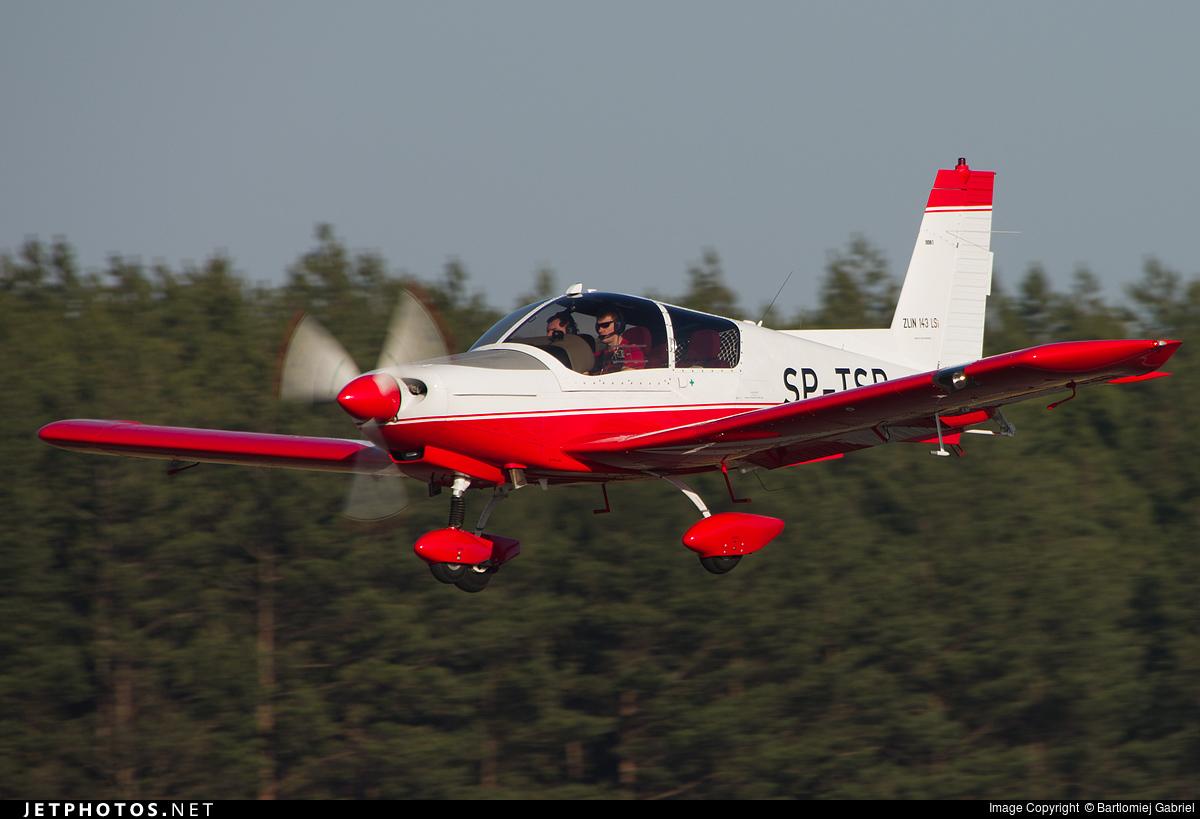 SP-TSB - Zlin 143LSi - Aero Club - Orlat Deblin
