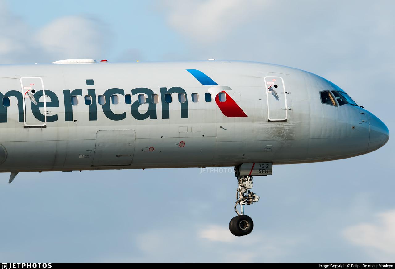 N198aa Boeing 757 223 American Airlines Felipe