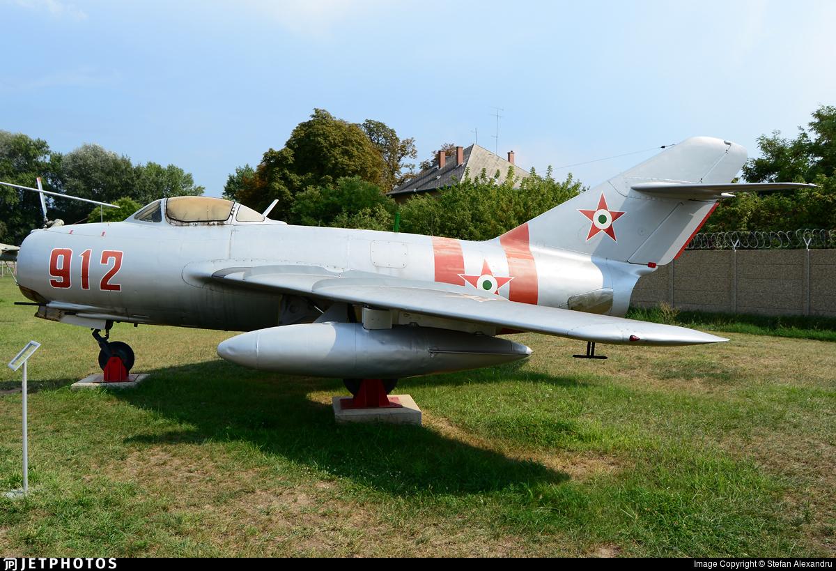 912 - Mikoyan-Gurevich MiG-15bis Fagot - Hungary - Air Force
