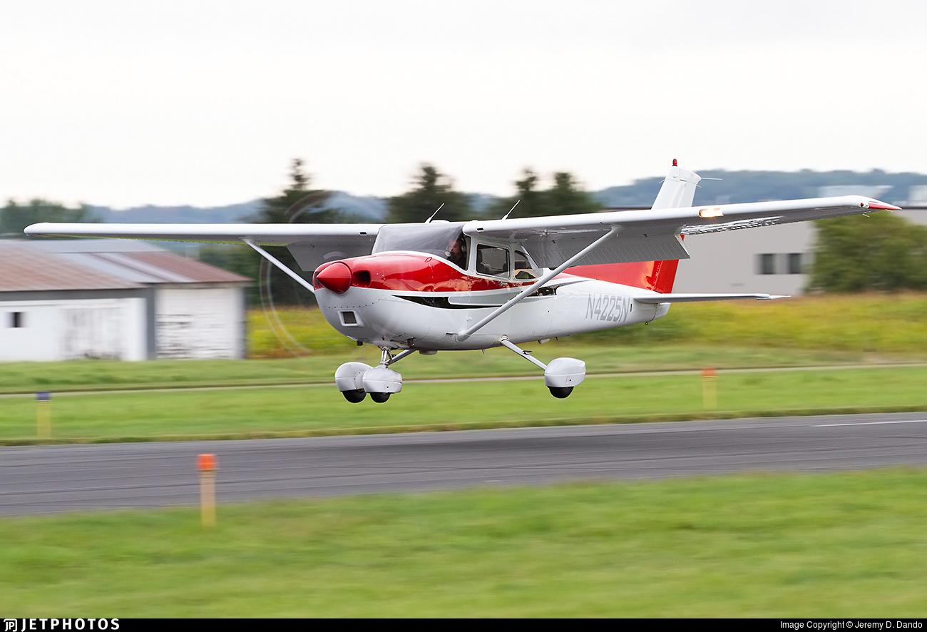 N4225N - Cessna 182S Skylane - Private