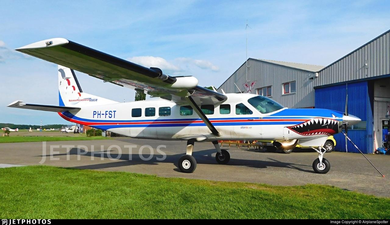PH-FST - Cessna 208B Grand Caravan - Nationaal Paracentrum Teuge