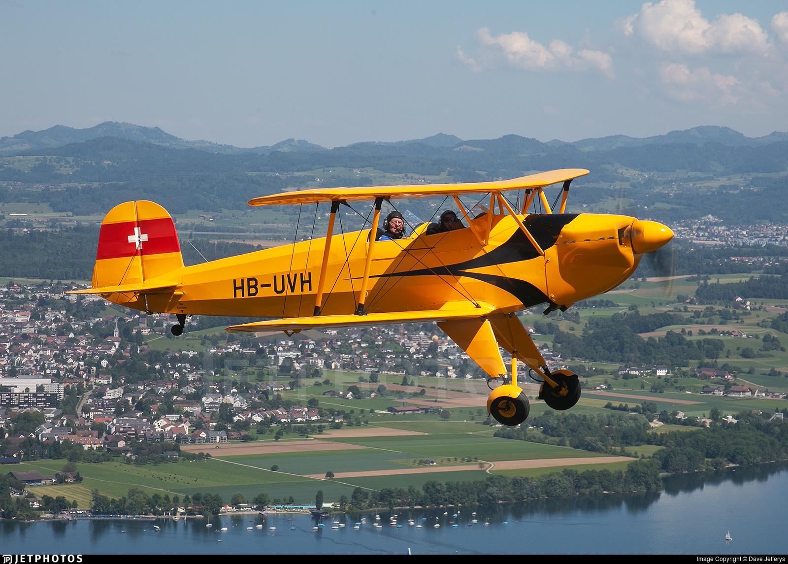 HB-UVH - CASA 1.131E Jungmann - Private