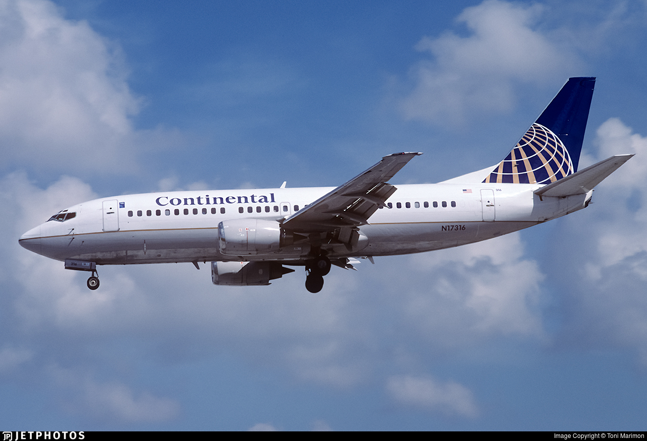 N17316 - Boeing 737-3T0 - Continental Airlines