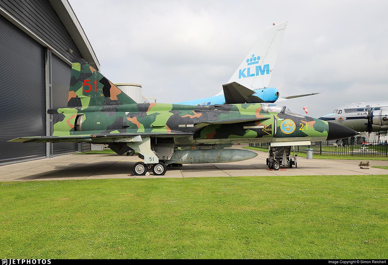 37901 - Saab AJSH37 Viggen - Sweden - Air Force