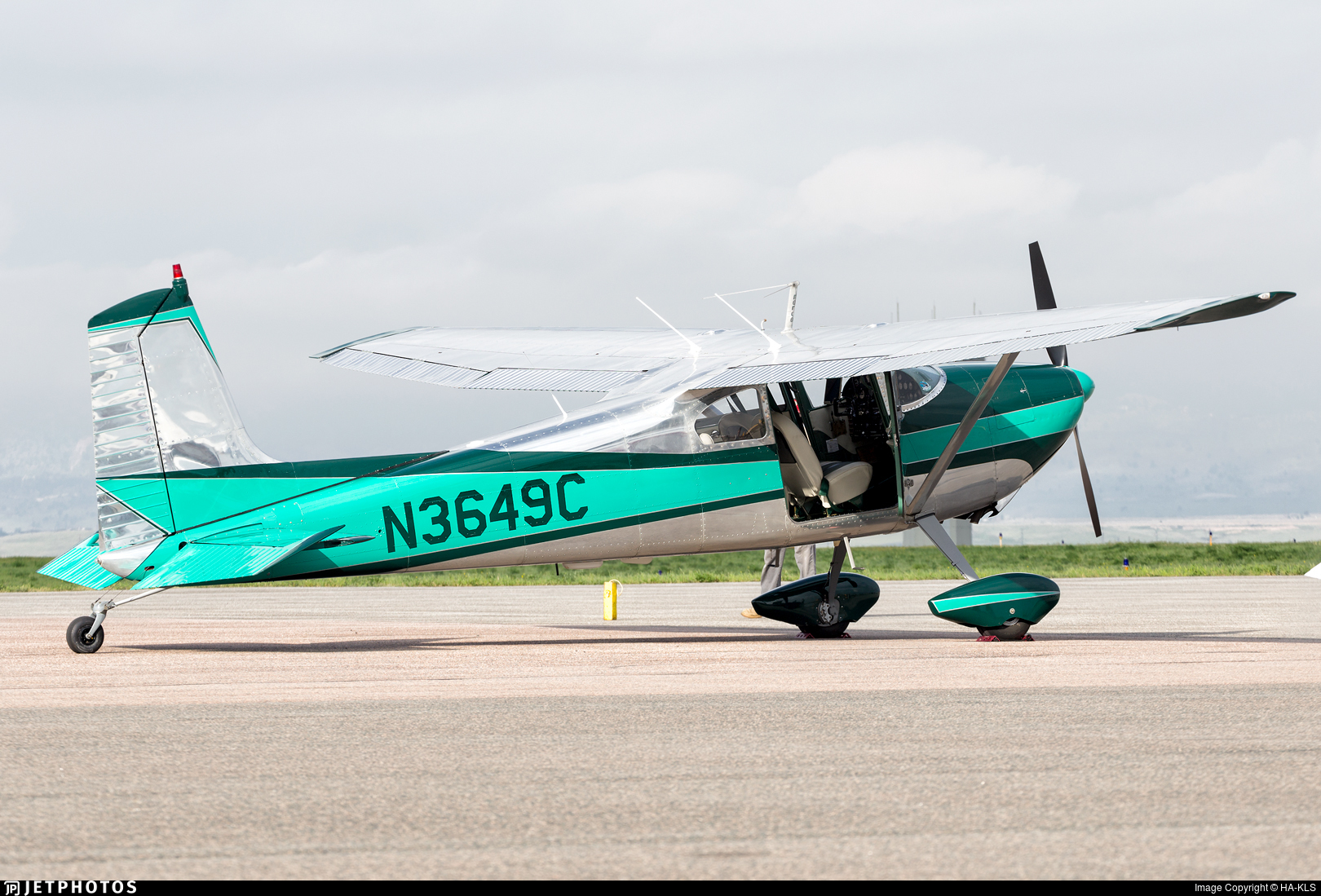 N3649C - Cessna 180 Skywagon - Private