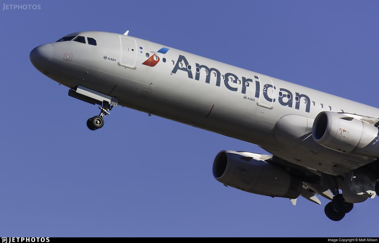 N924US - Airbus A321-231 - American Airlines