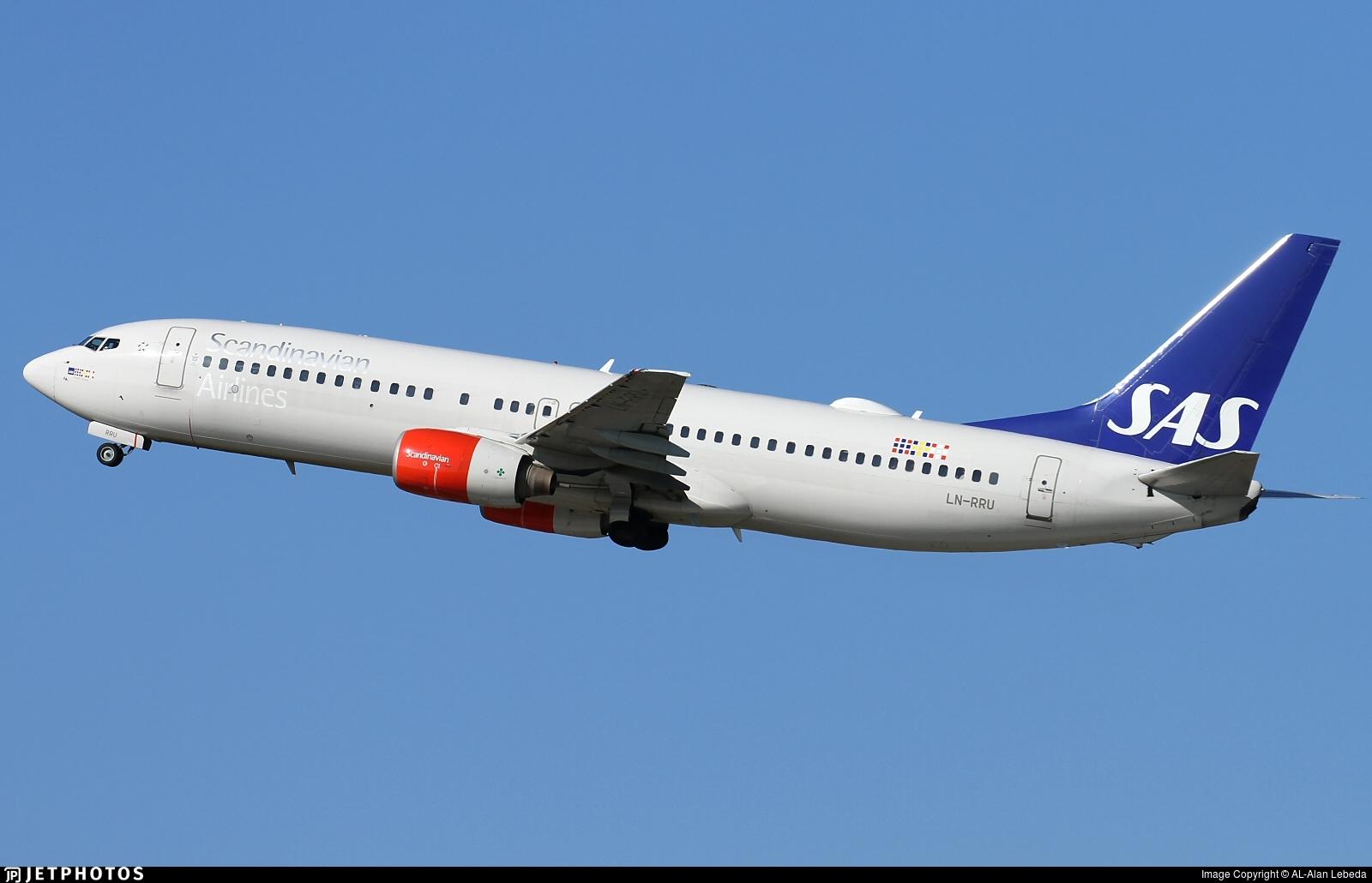LN-RRU - Boeing 737-883 - Scandinavian Airlines (SAS)