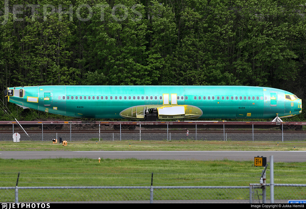- Boeing 737-866 - Boeing Company