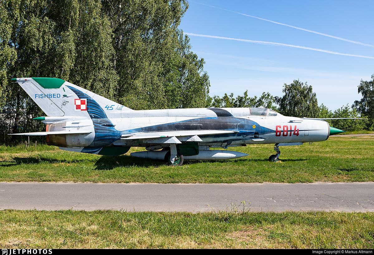 6814 - Mikoyan-Gurevich MiG-21MF Fishbed J - Poland - Air Force