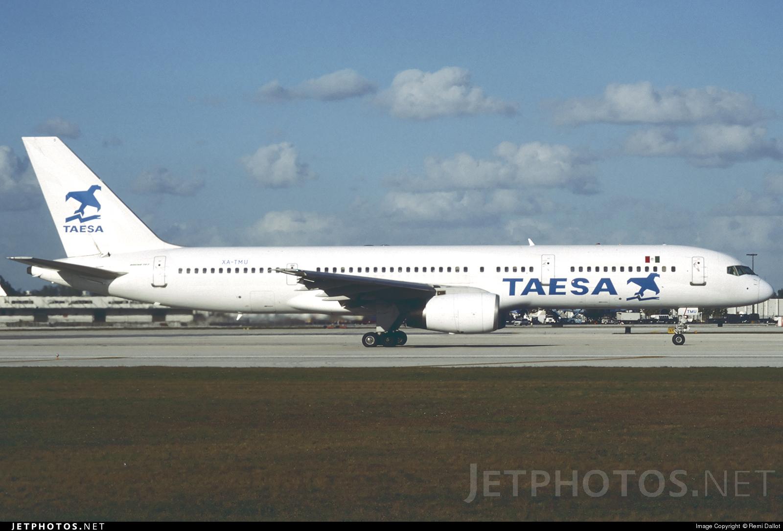 XA-TMU - Boeing 757-2K2 - Transportes Aéreos Ejecutivos (TAESA)