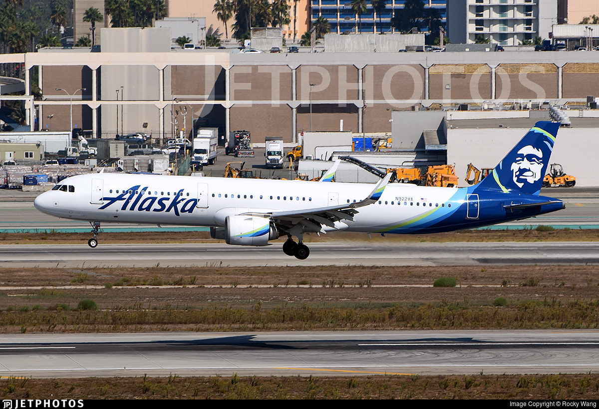 N922VA - Airbus A321-253N - Alaska Airlines