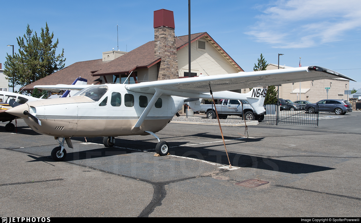 N64S - Cessna T337G Skymaster - Private