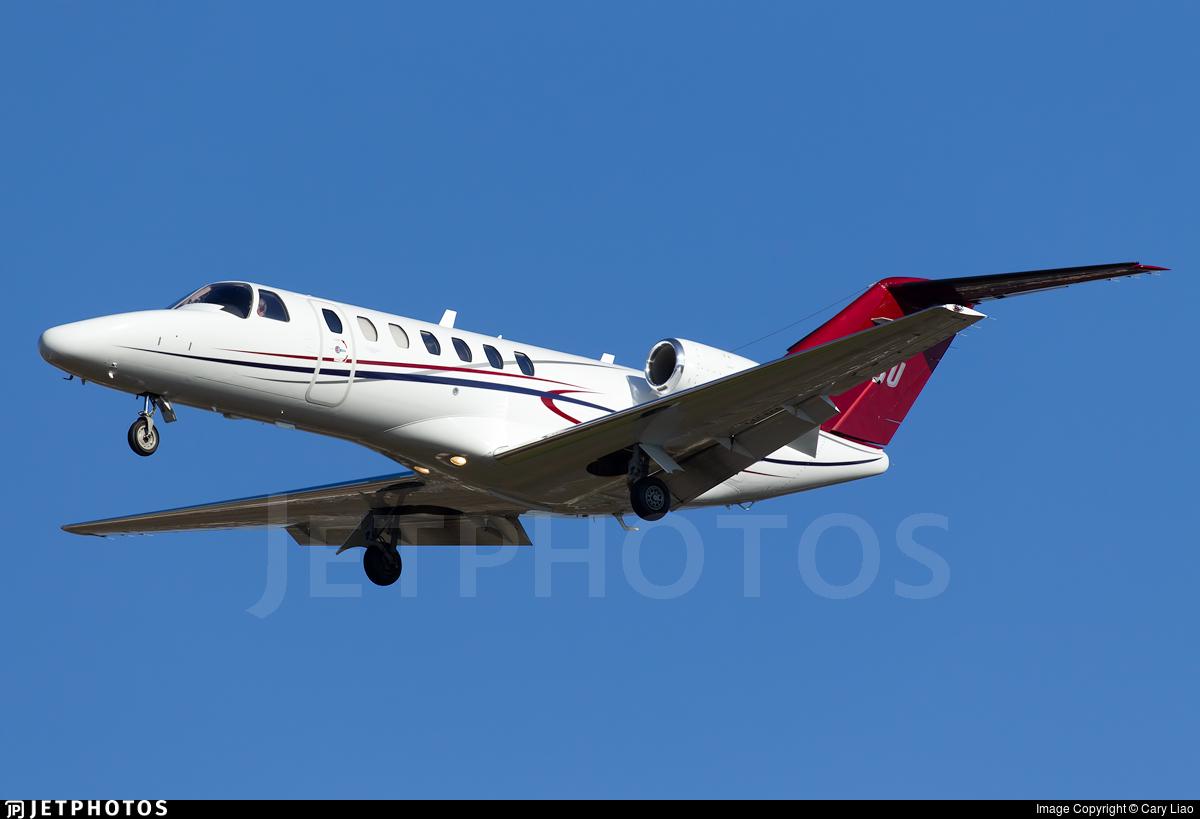 N525U - Cessna 525B CitationJet 3 - Private