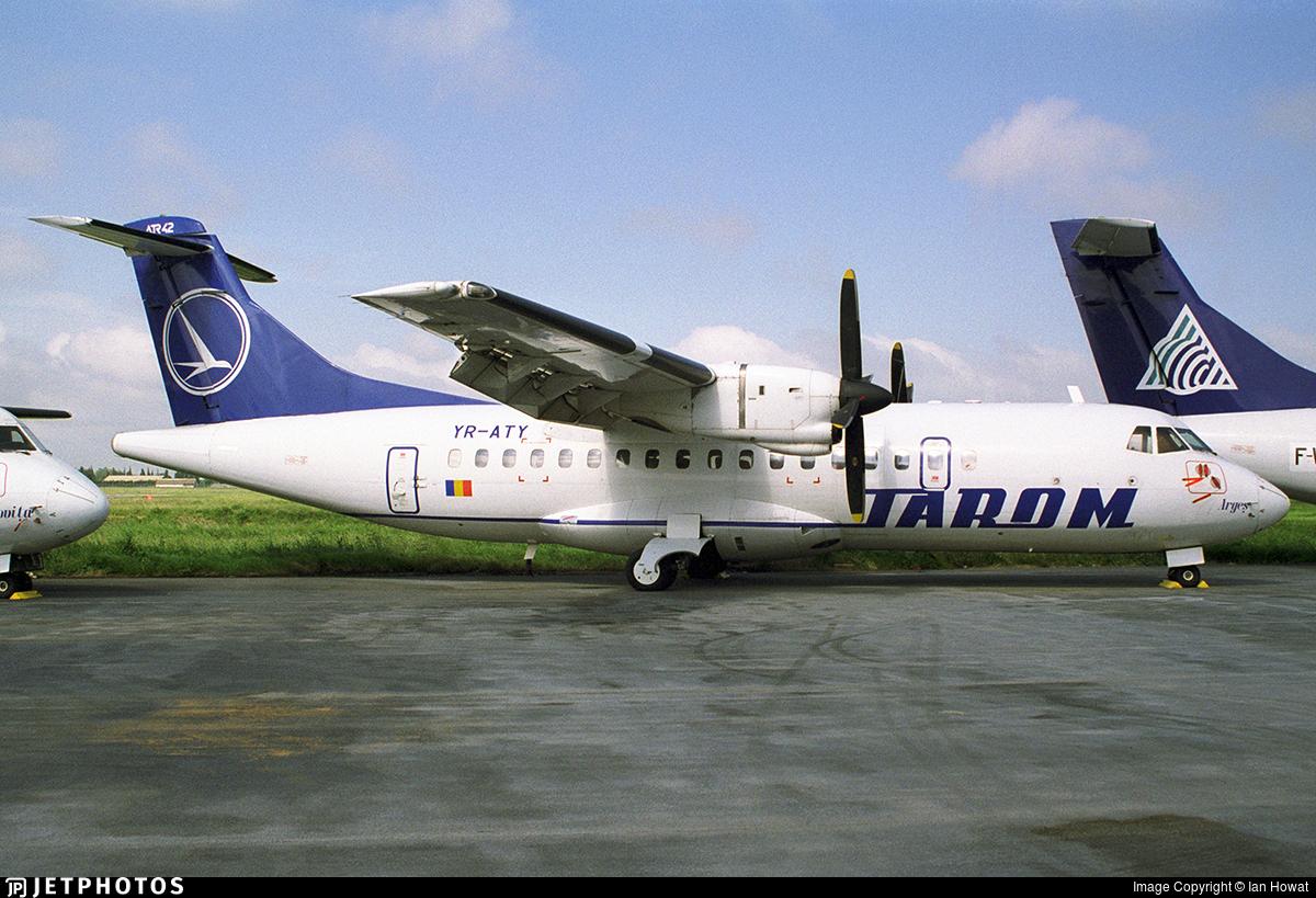 YR-ATY - ATR 42-300 - Tarom - Romanian Air Transport