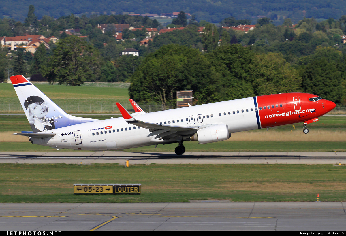 LN-NOM | Boeing 737-86N | Norwegian | Chris_N | JetPhotos