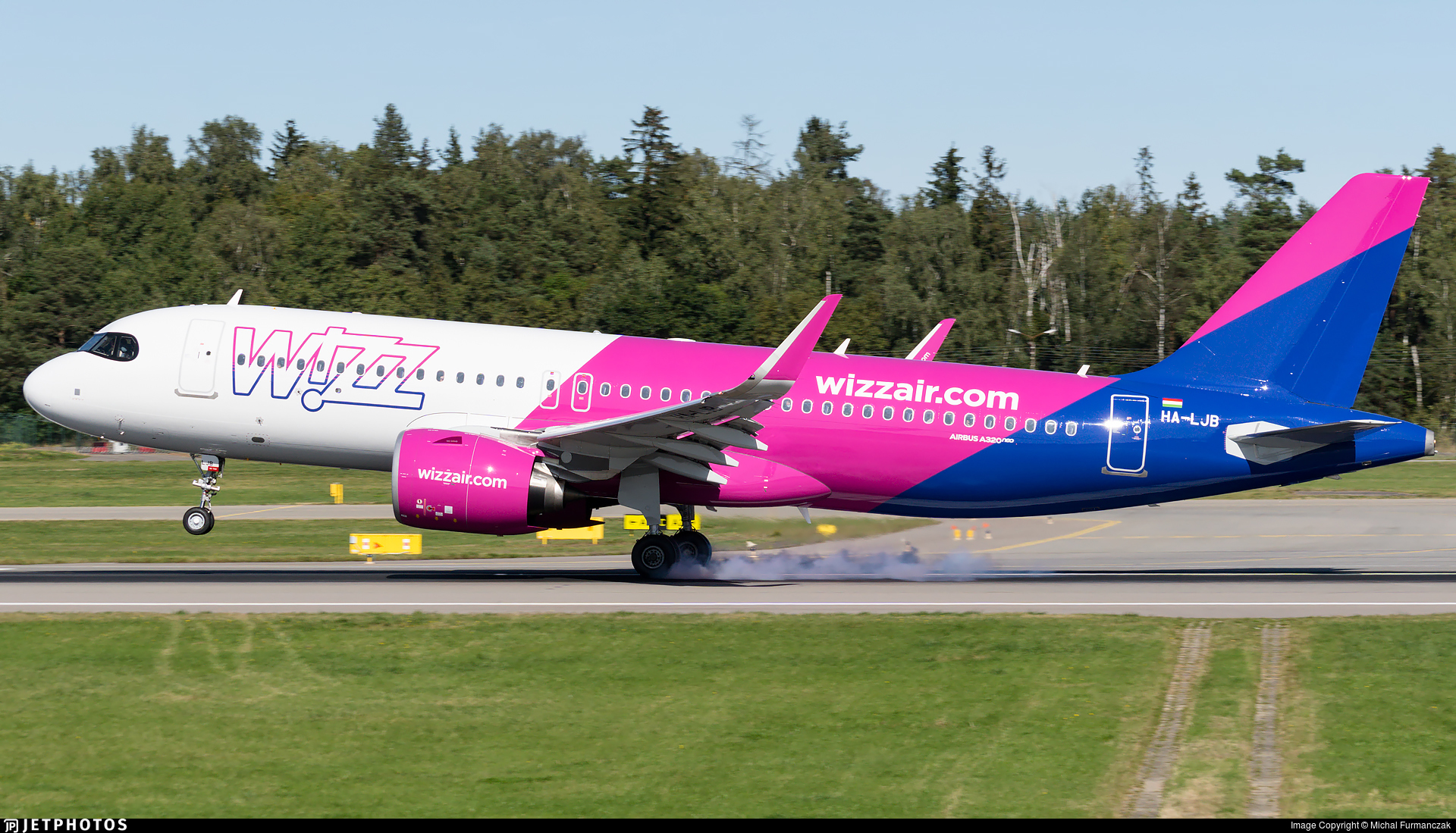 HA-LJB - Airbus A320-271N - Wizz Air