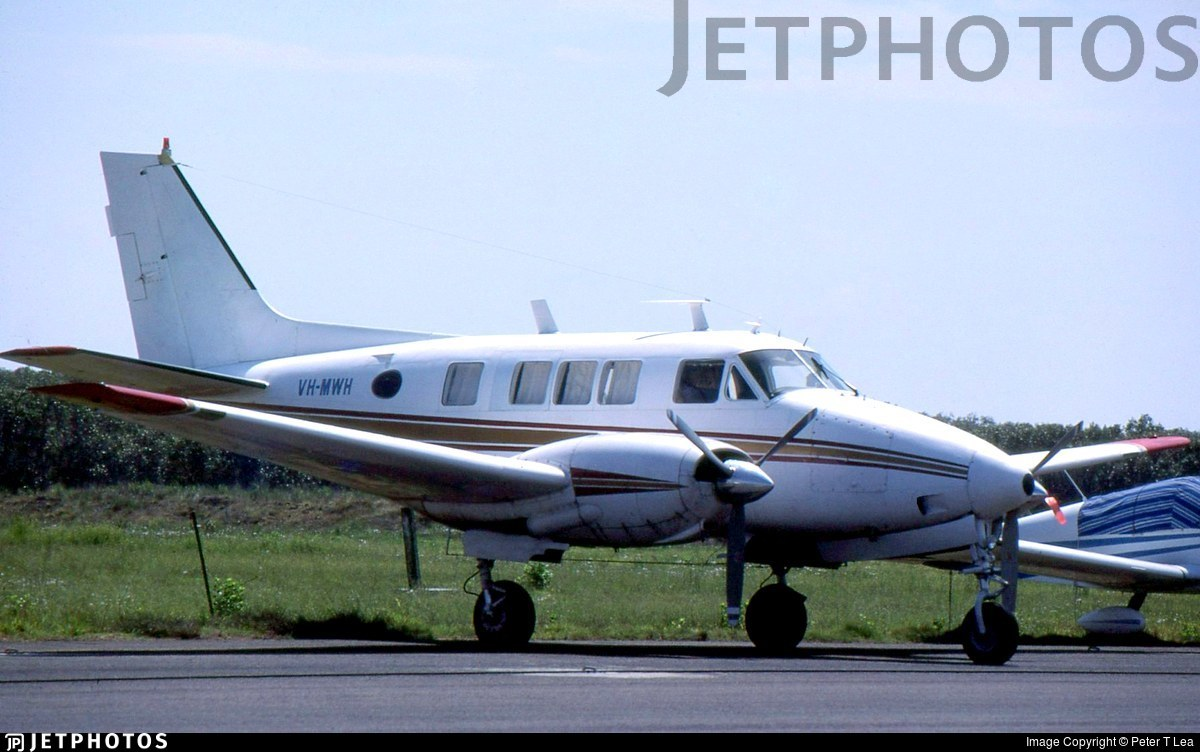 VH-MWH - Beechcraft A65-8200 Queen Air - Private