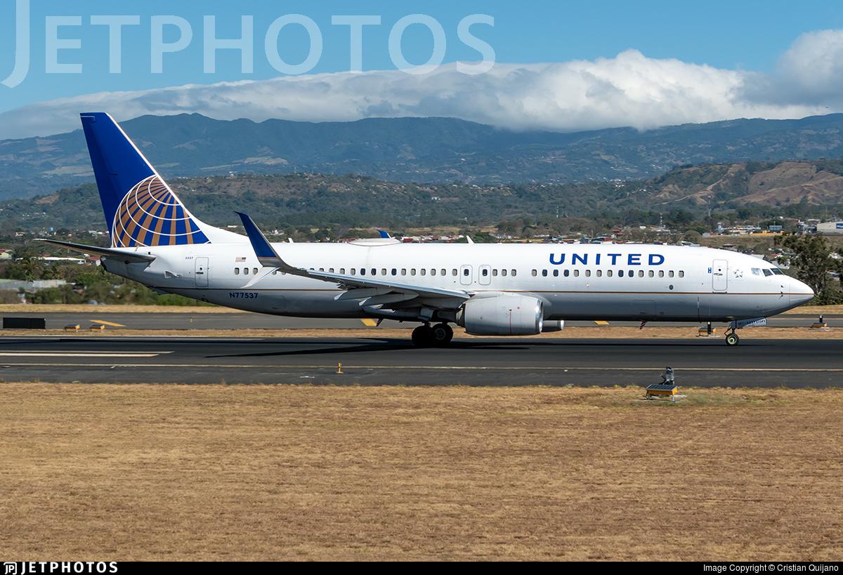 N77537 - Boeing 737-824 - United Airlines