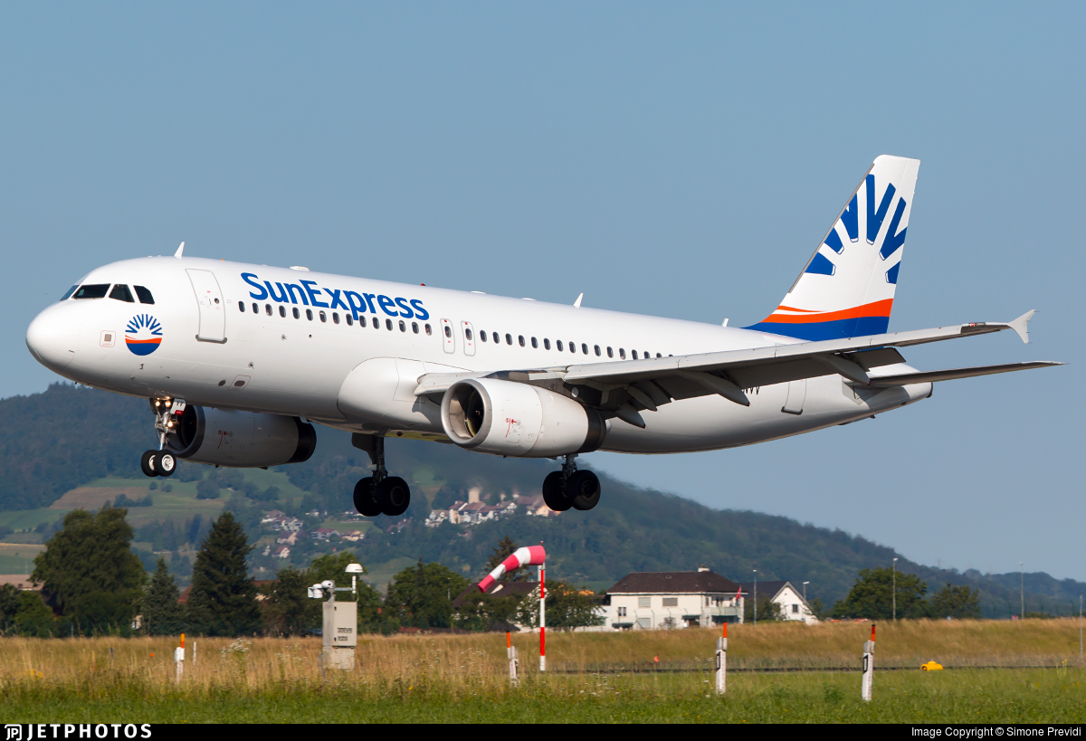 LY-NVV - Airbus A320-232 - SunExpress (Avion Express)