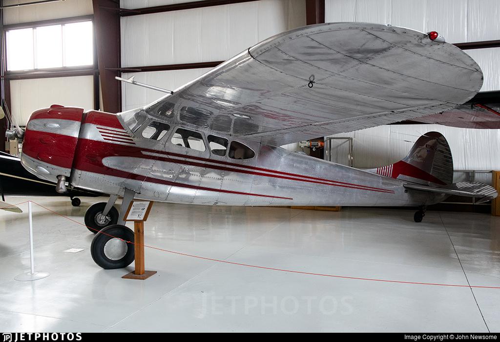 N714E - Cessna 195A - Private