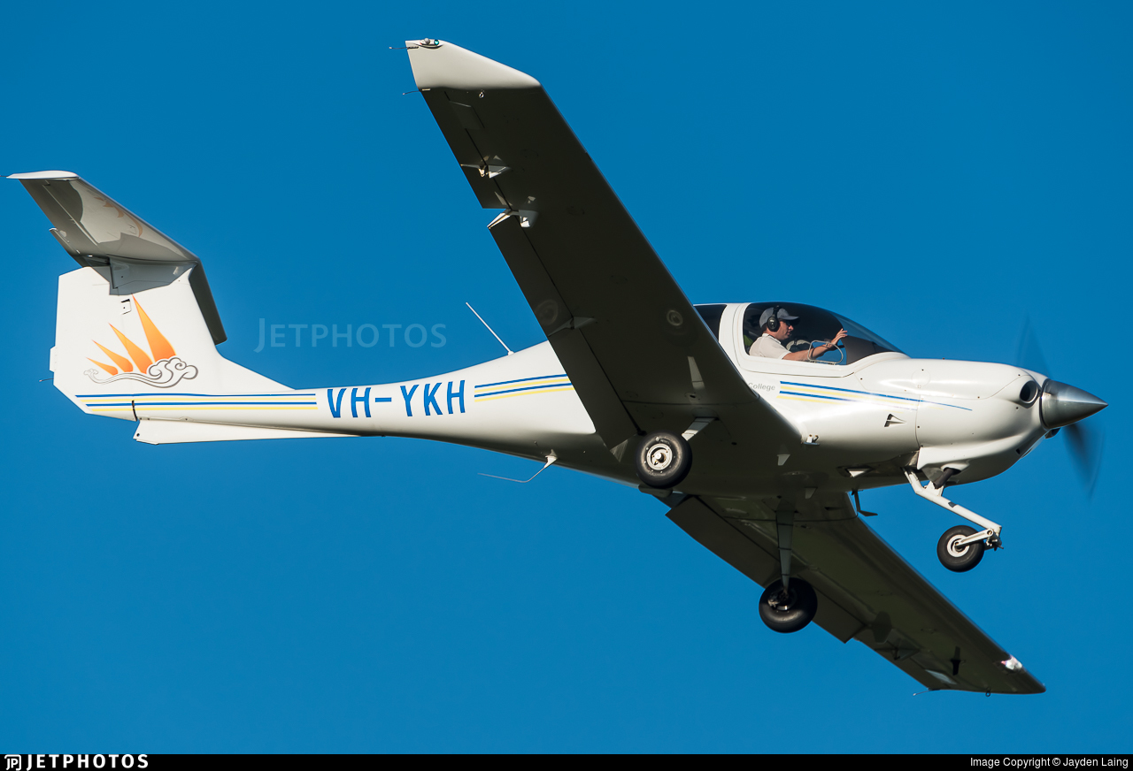 VH-YKH - Diamond DA-40 Diamond Star - Australian International Aviation College