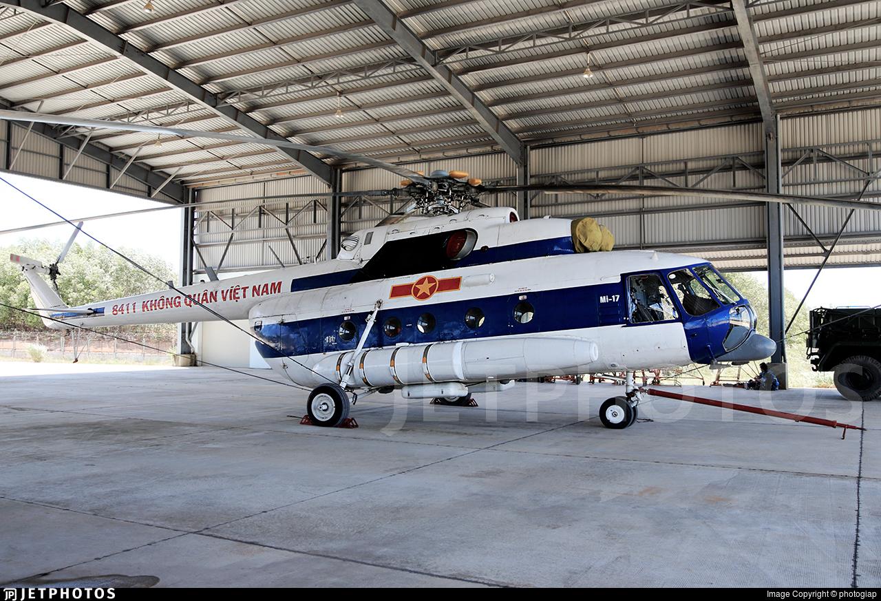 8411 - Mil Mi-17 Hip - Vietnam - Air Force