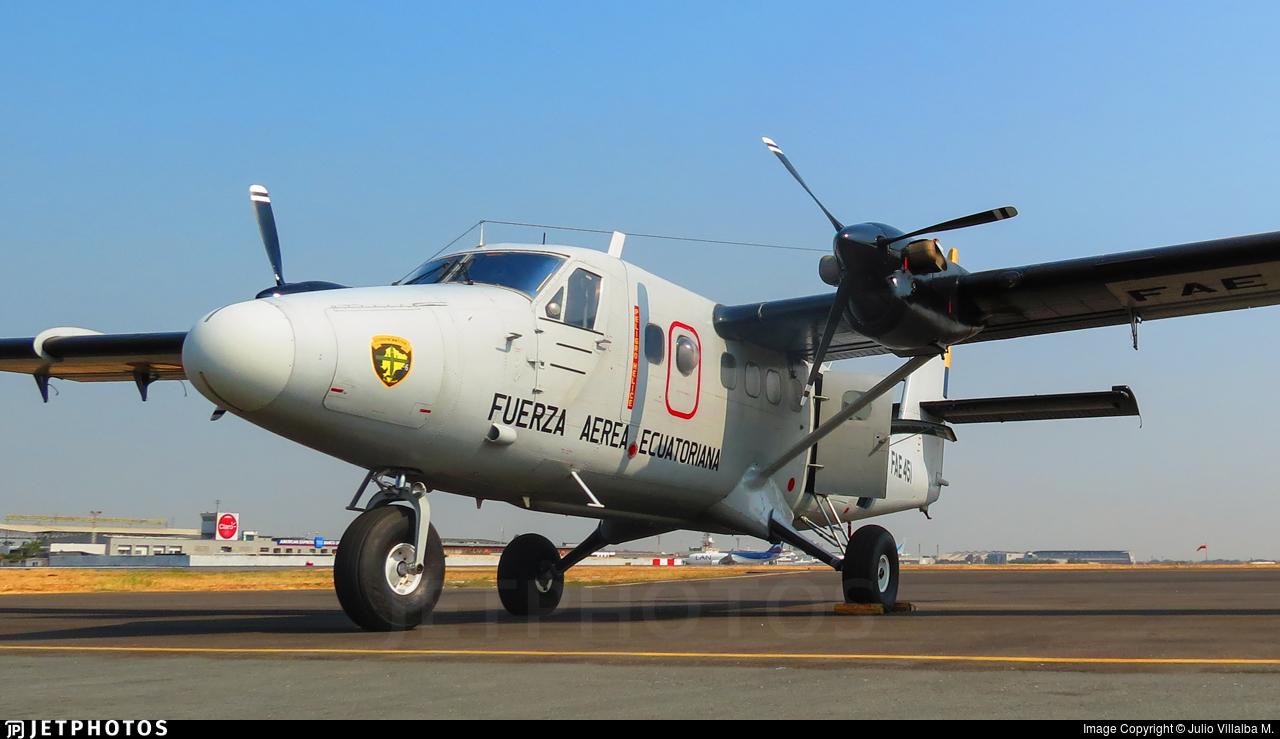 FAE-451 - De Havilland Canada DHC-6-300 Twin Otter - Ecuador - Air Force