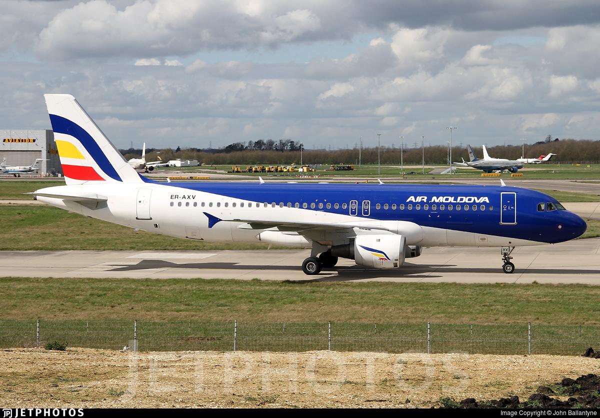 ER-AXV - Airbus A320-211 - Air Moldova
