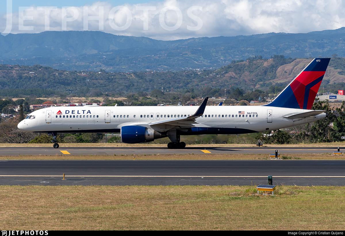 N672DL - Boeing 757-232 - Delta Air Lines