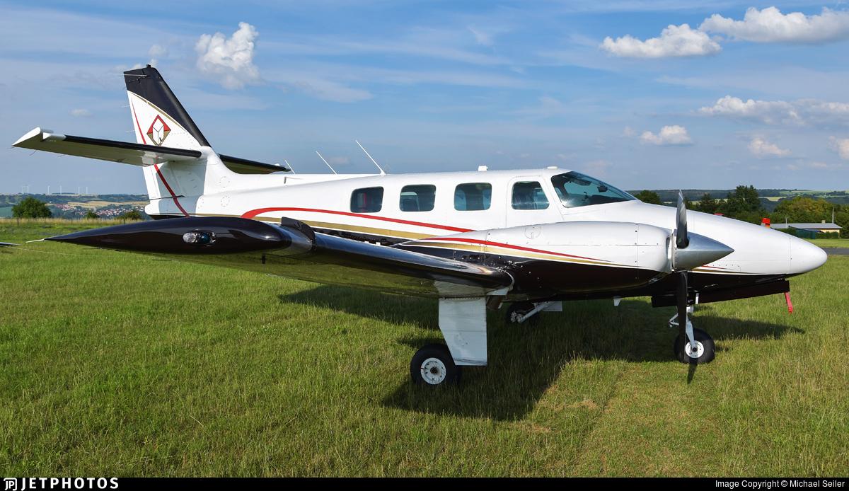 N6498V - Cessna T303 Crusader - Private