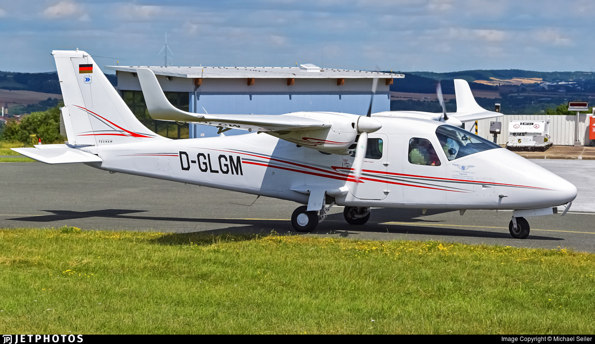 D-GLGM - Tecnam P2006T - LGM Verkehrsfliegerschule