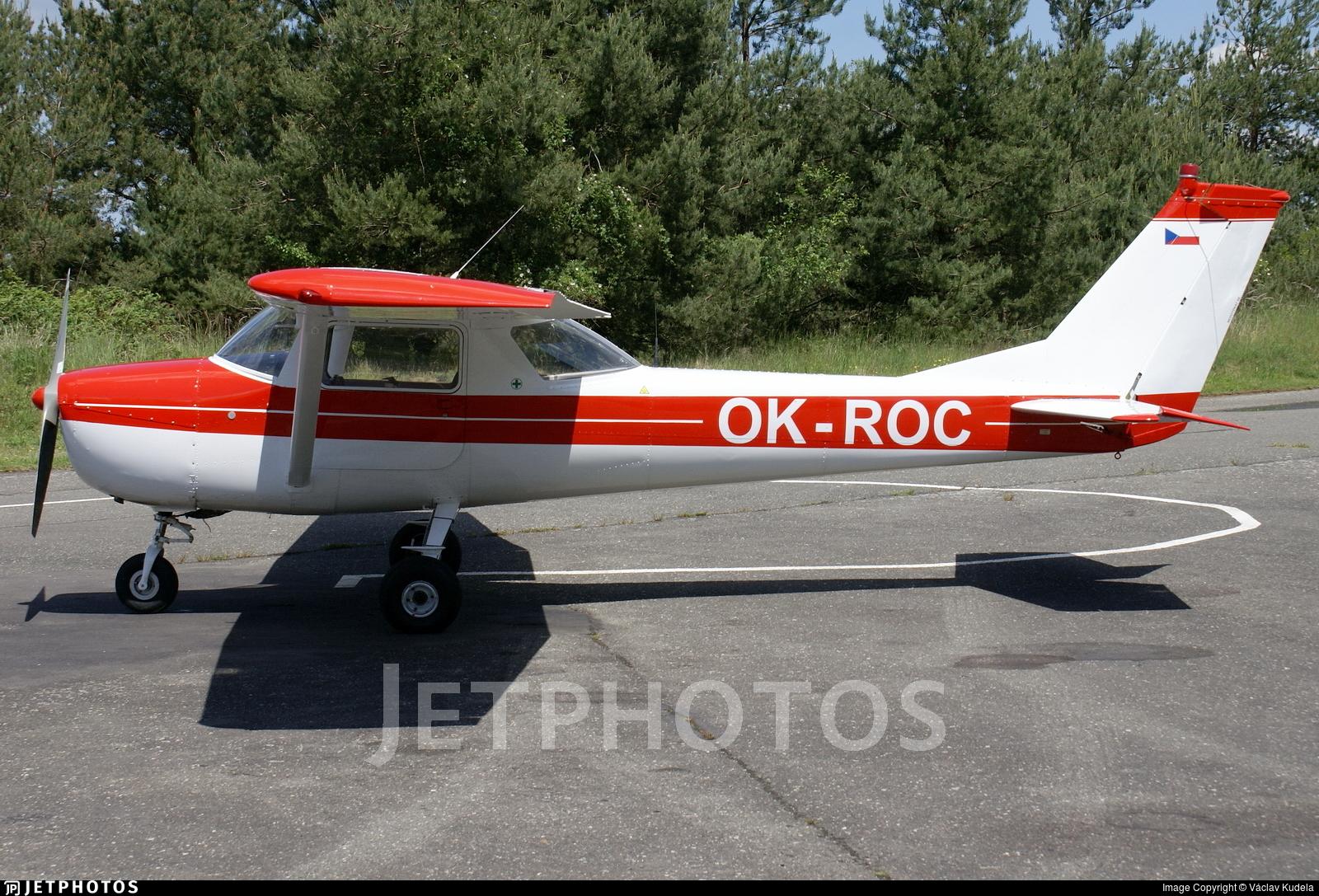 OK-ROC - Cessna 150F - Private