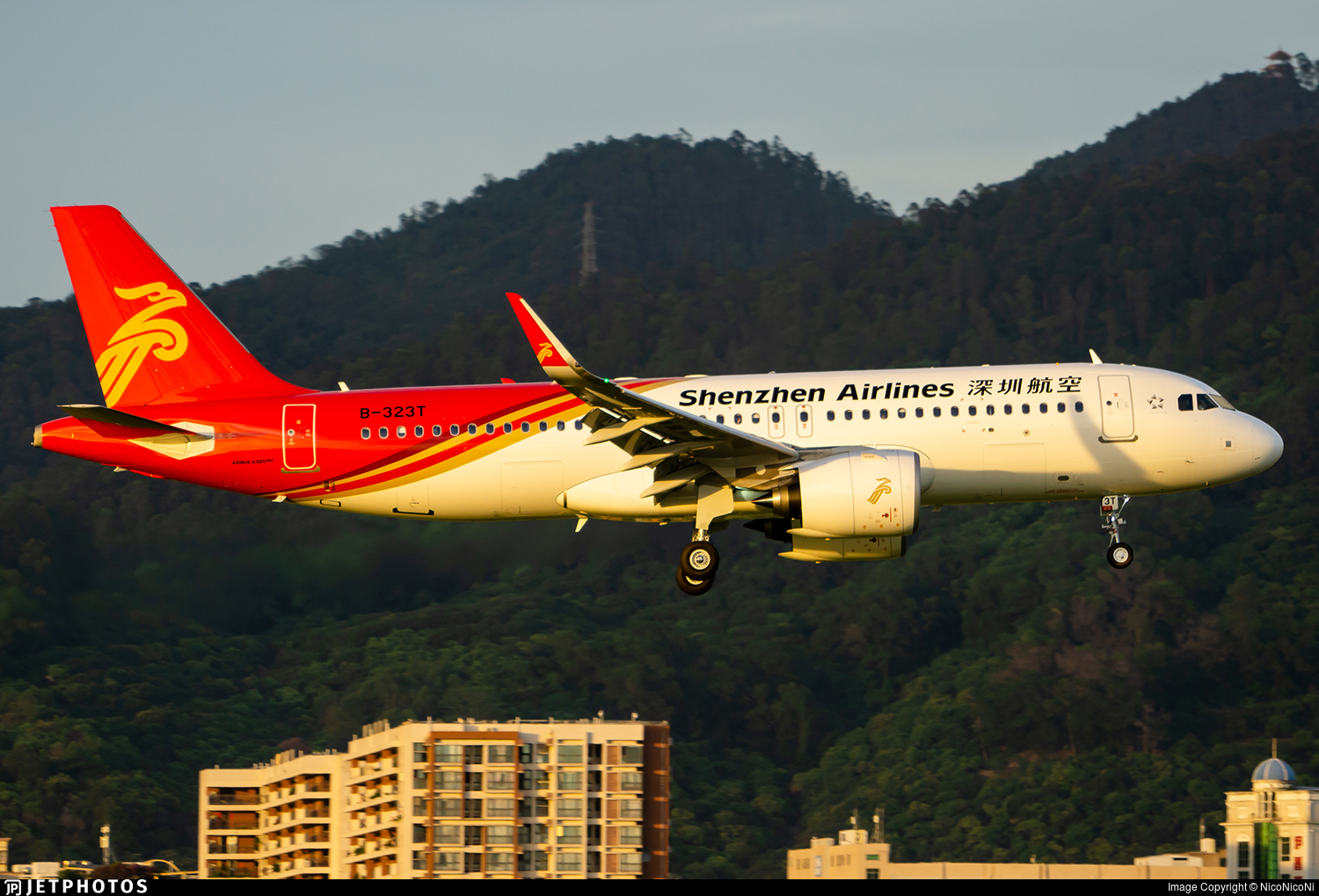B-323T - Airbus A320-271N - Shenzhen Airlines