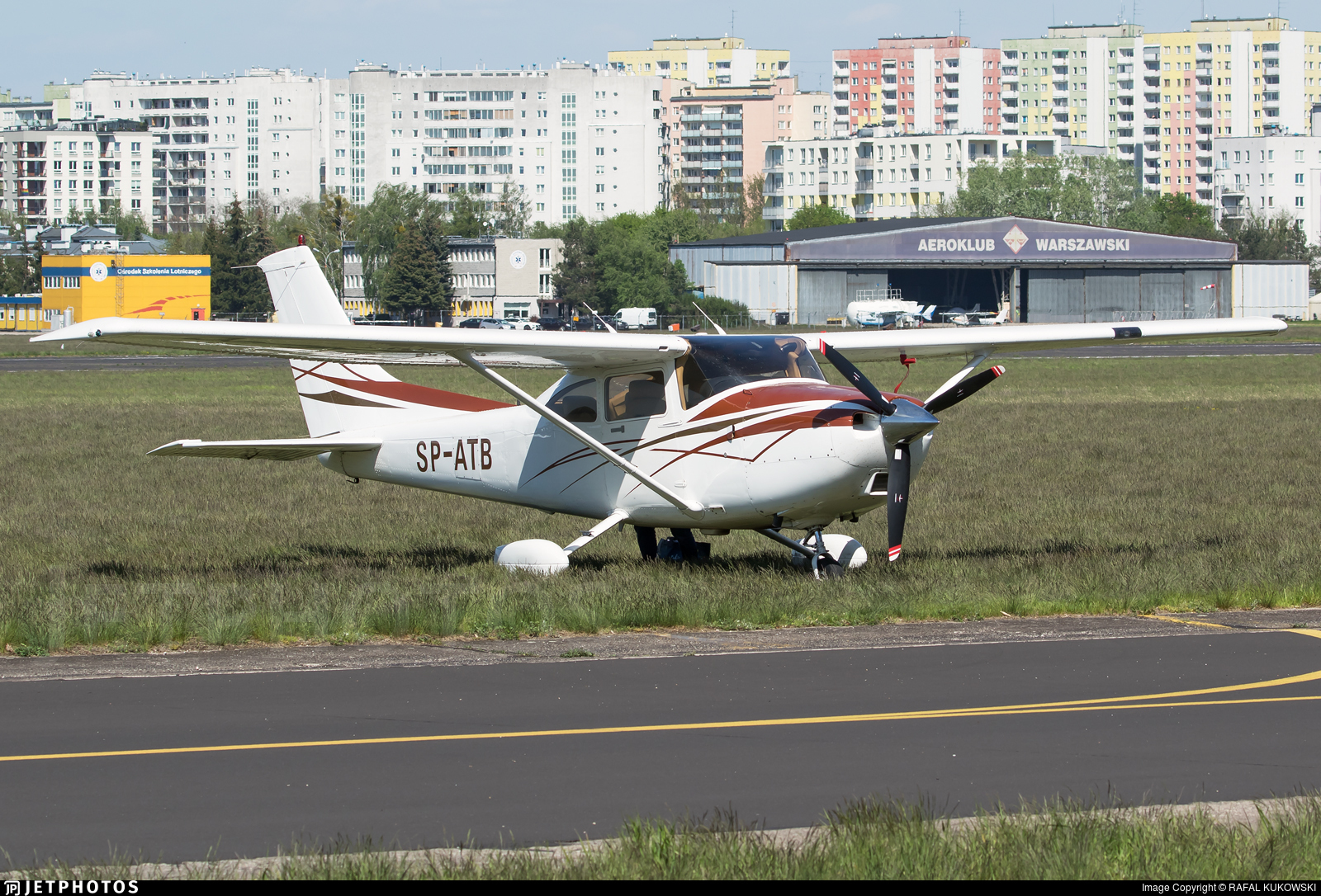 SP-ATB - Cessna 182T Skylane - Private