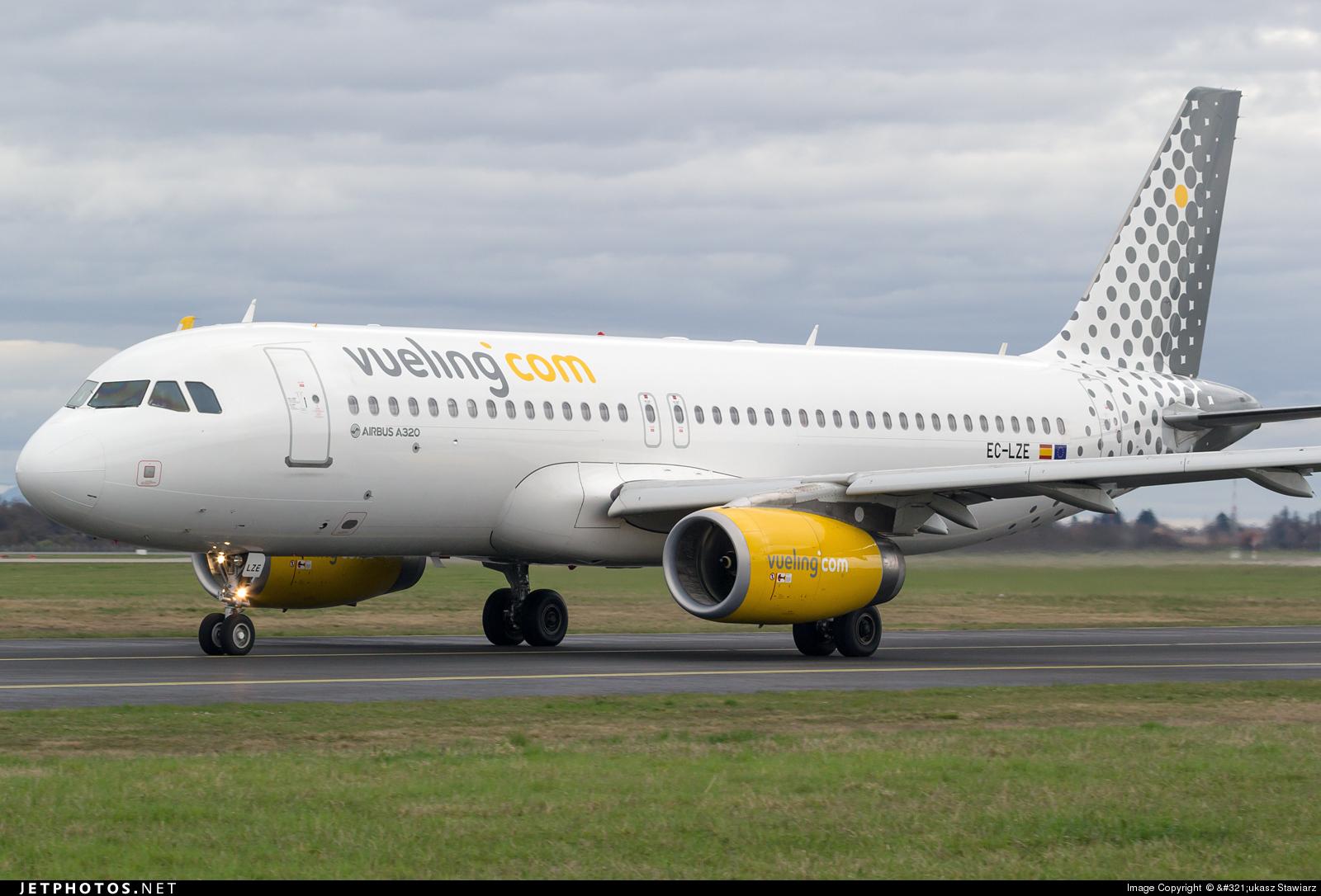 EC-LZE - Airbus A320-232 - Vueling