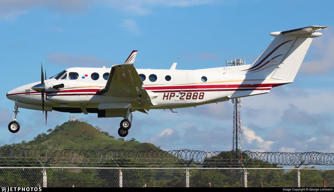 HP-2888 - Beechcraft B300 King Air 350 - Private