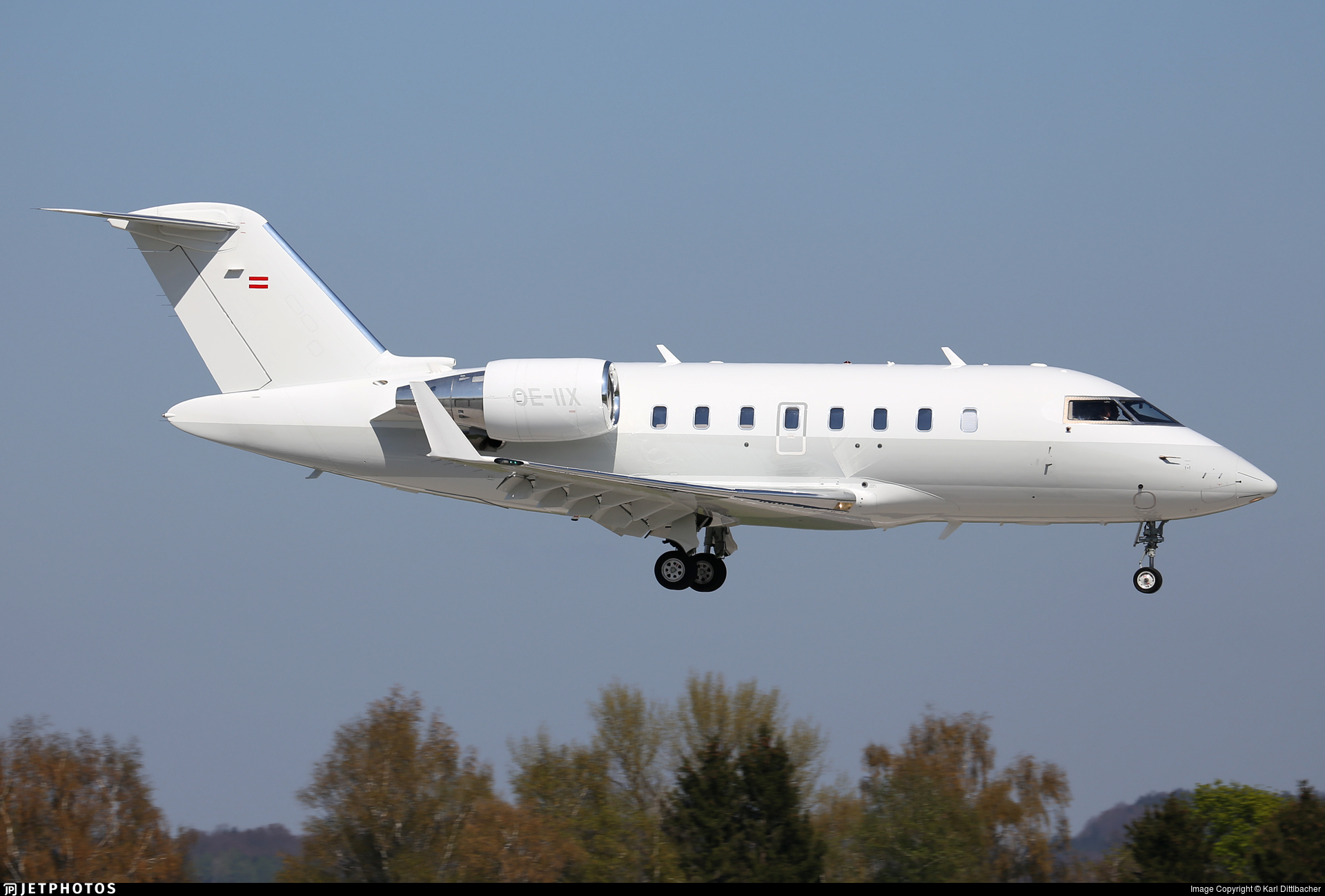 OE-IIX - Bombardier CL-600-2B16 Challenger 605 - Private