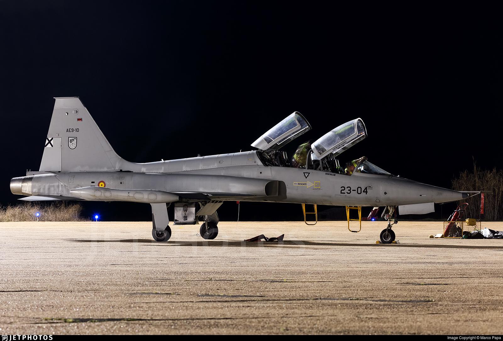 AE.9-10 - CASA SF-5B(M) Freedom Fighter - Spain - Air Force