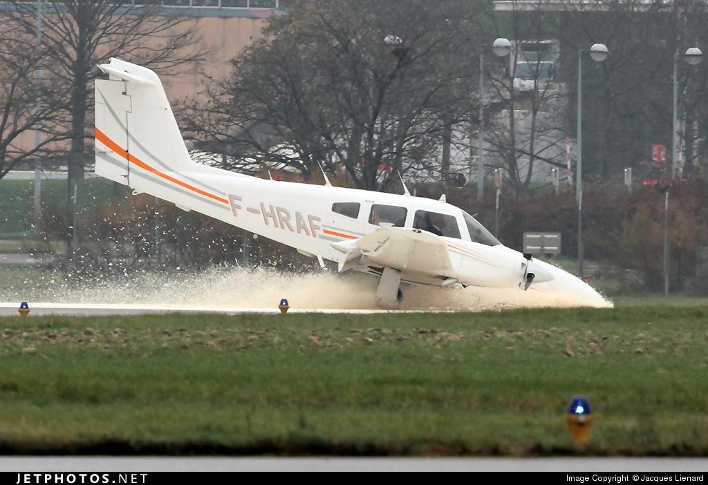 F-HRAF - Piper PA-44-180T Turbo Seminole - Private