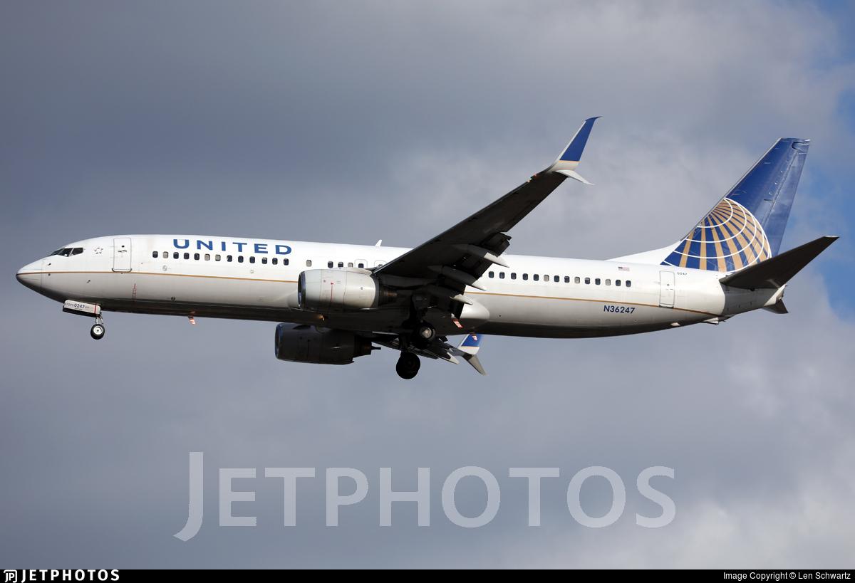 N36247 - Boeing 737-824 - United Airlines